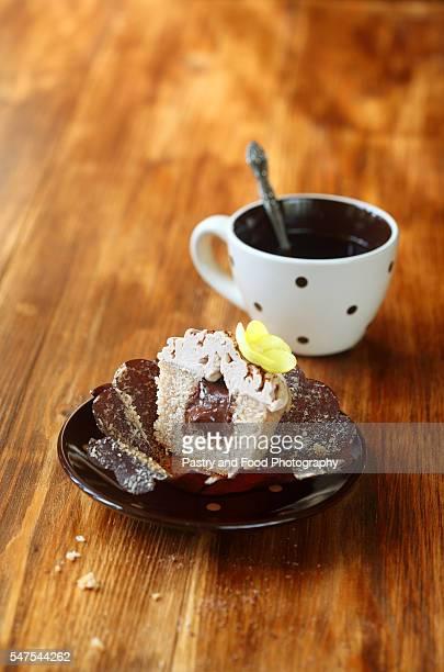 Chestnut Chocolate 'Mont Blanc' Cupcake