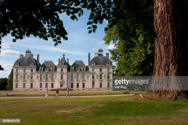 Cheverny Castle Built between 1624 and 1630 by the sculptorarchitect of Blois Jacques Bougier Loire Valley France
