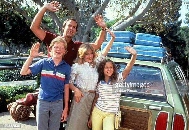 Chevy Chase Beverly D'Angelo and their kids wave goodbye in a scene from the film 'Vacation' 1983