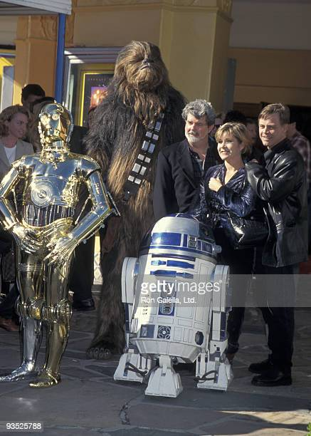C3PO Chewbacca R2D2 George Lucas Carrie Fisher and Mark Hamill