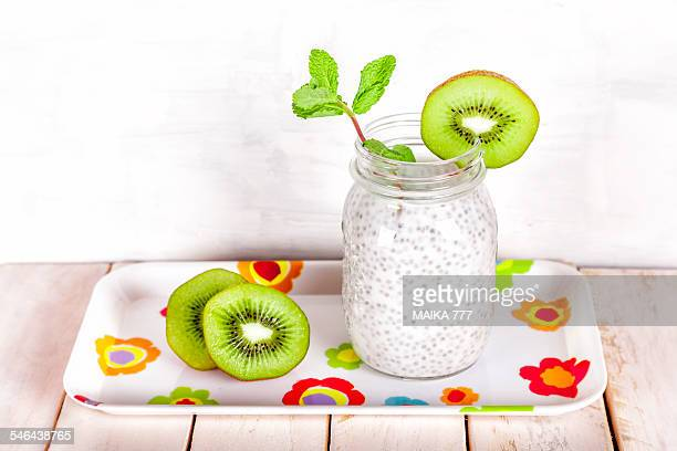Chia seed pudding and kiwi fruit