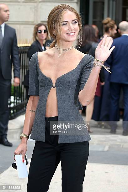 Chiara Ferragni arrives at the Christian Dior Haute Couture Fall/Winter 20162017 show as part of Paris Fashion Week on July 4 2016 in Paris France
