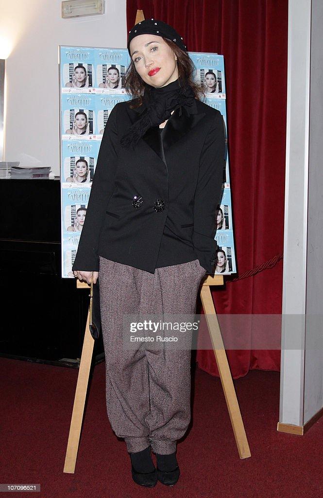 Chiara Francini attends the 'A Letto Dopo Il Carosello' theatre premiere at Teatro 7 on November 23, 2010 in Rome, Italy.