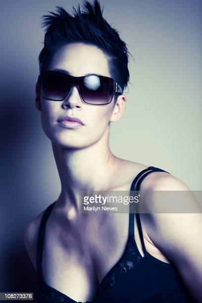 chic fashion eyewear