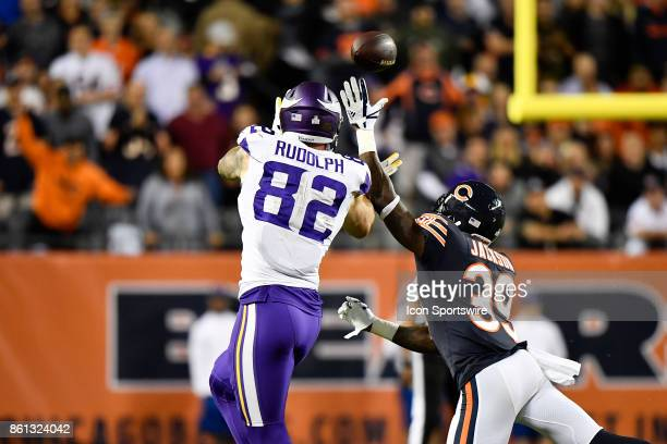 Chicago Bears free safety Eddie Jackson breaks up the pass to Minnesota Vikings tight end Kyle Rudolph during the game between the Minnesota Vikings...