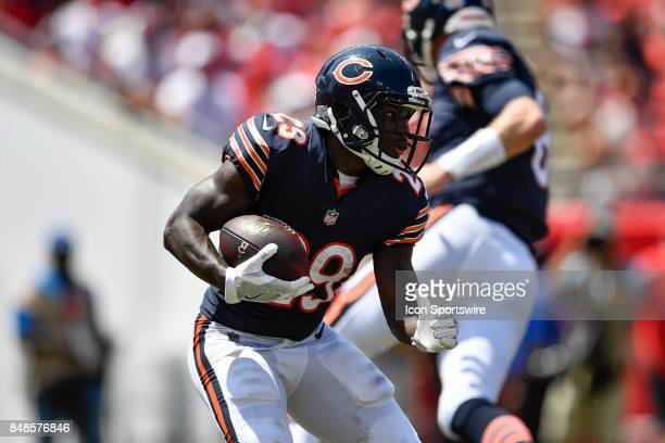Chicago Bears running back Tarik Cohen looks to run to the right during an NFL football game between the Chicago Bears and the Tampa Bay Buccaneers...