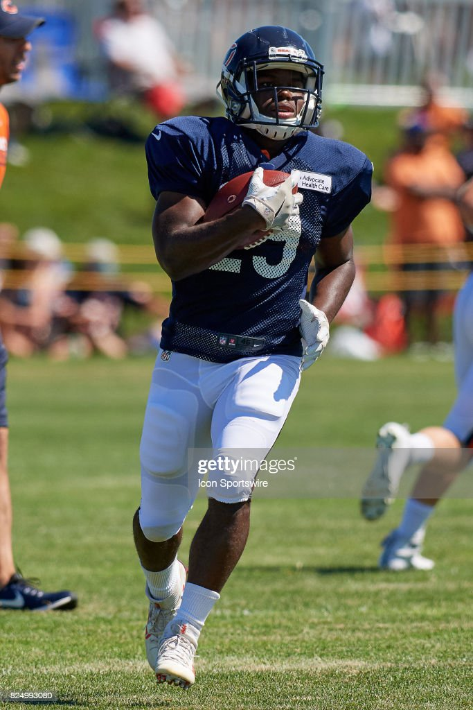 Jersey Chicago Bears running back Tarik Cohen (29) participates in a ... 35542500a