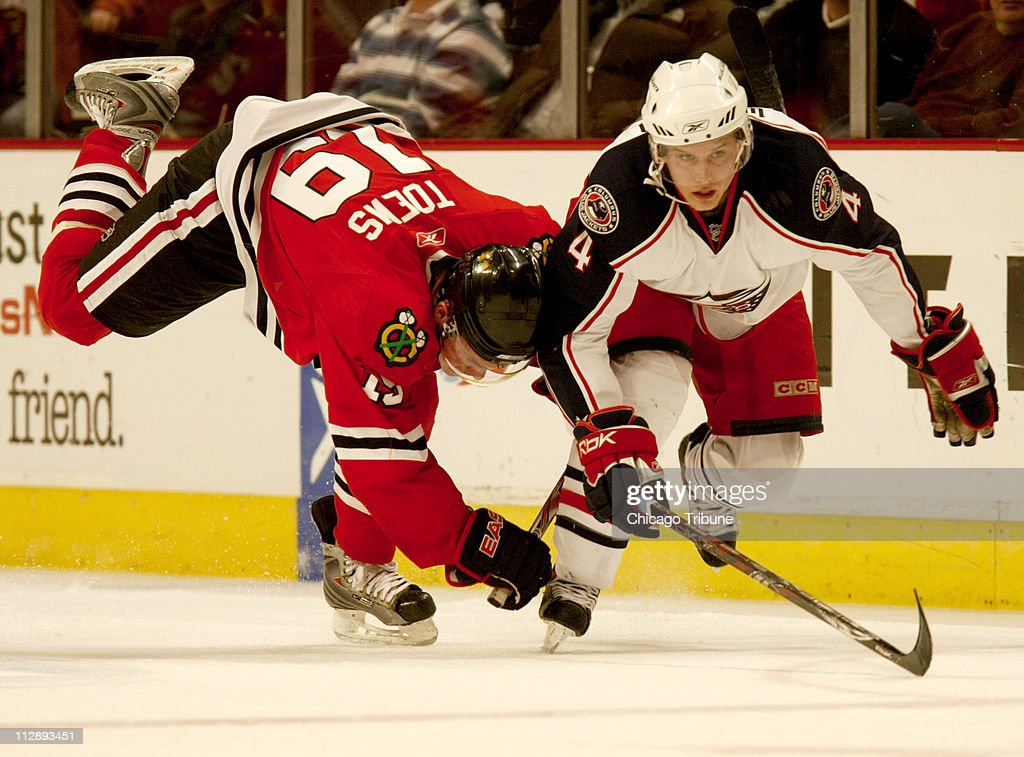 Blue Jackets-Blackhawks Pictures | Getty Images