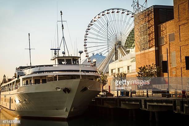 Chicago Boat Scene
