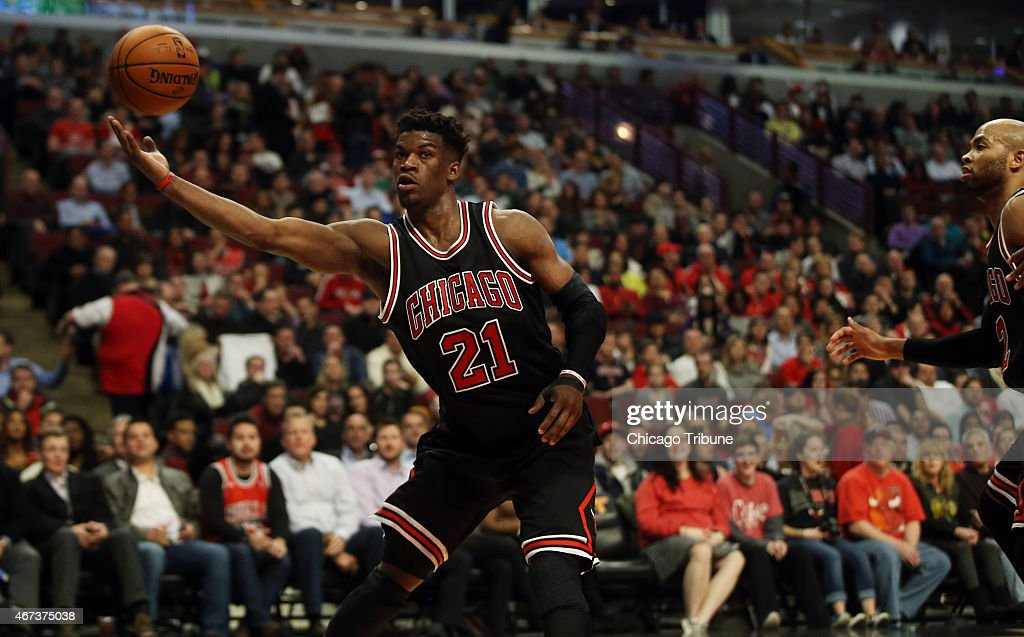 Chicago Bulls guard <a gi-track='captionPersonalityLinkClicked' href=/galleries/search?phrase=Jimmy+Butler+-+Jugador+de+baloncesto&family=editorial&specificpeople=9860567 ng-click='$event.stopPropagation()'>Jimmy Butler</a> (21) grabs a rebound during the first half on Monday, March 23, 2015, at the United Center in Chicago.