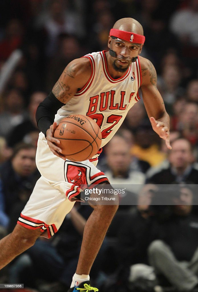 Chicago Bulls guard Richard Hamilton brings the ball up court against the Los Angeles Lakers at the United Center on Monday, January 21, 2013 in Chicago, Illinois.