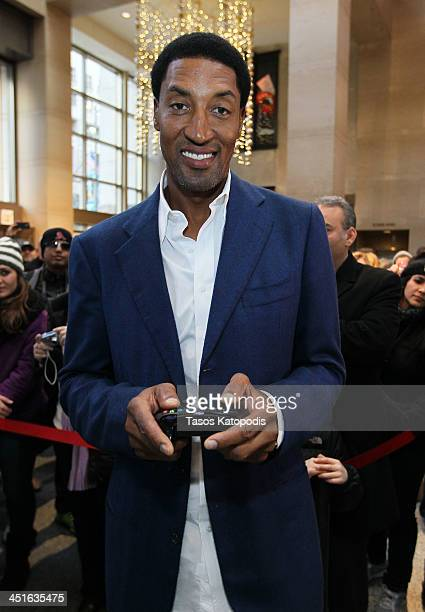 Chicago Bulls Legend Scottie Pippen plays Xbox One with fans at the Microsoft Store at The Shops at North Bridge on November 23 2013 in Chicago...