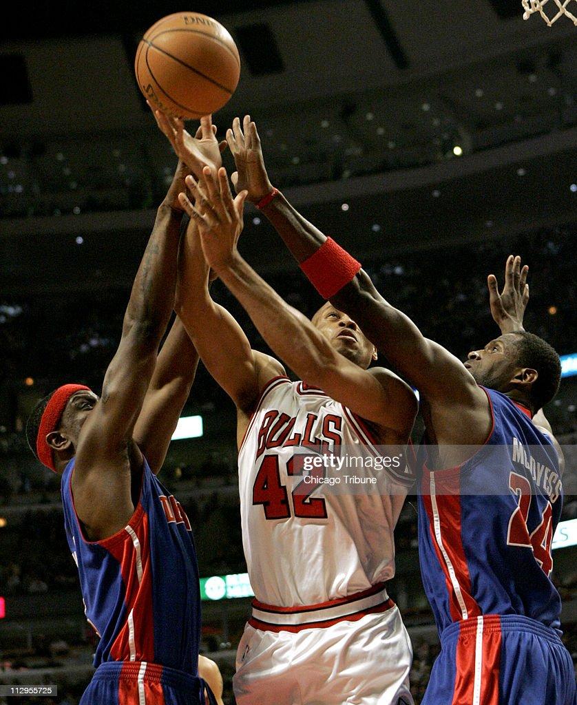 Chicago Bulls PJ Brown s caught between Detroit Pistons