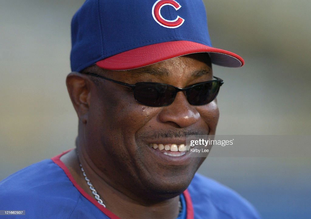 Chicago Cubs manager <a gi-track='captionPersonalityLinkClicked' href=/galleries/search?phrase=Dusty+Baker&family=editorial&specificpeople=202908 ng-click='$event.stopPropagation()'>Dusty Baker</a> watches batting practice before game against the Los Angeles Dodgers at Dodger Stadium on Tuesday, May 11, 2004.