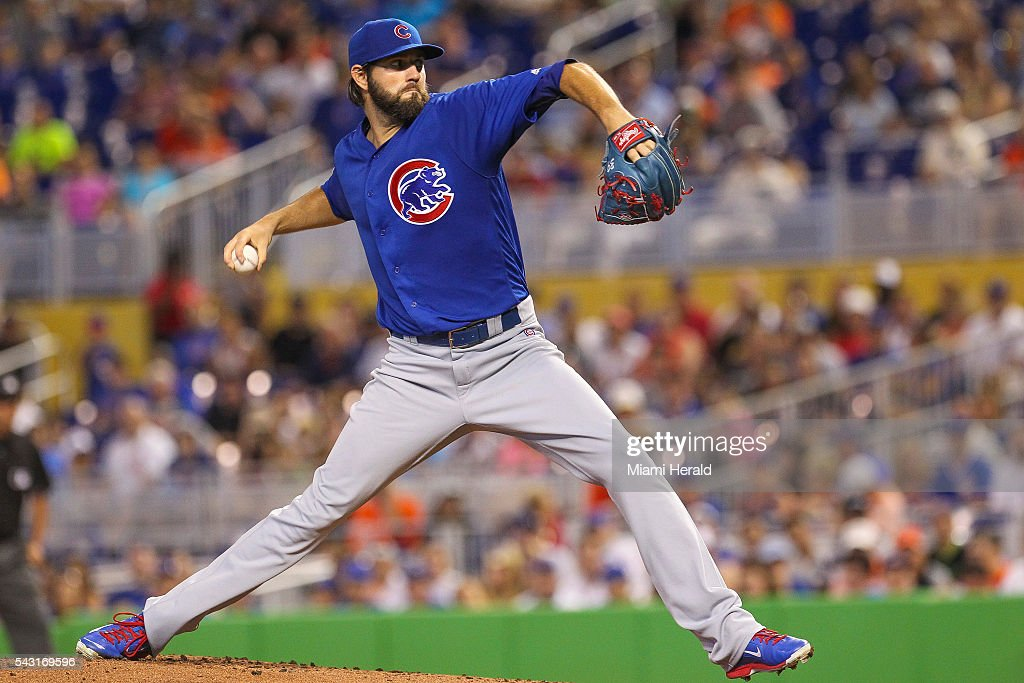Chicago Cubs starting pitcher Jason Hammel (39) pitches during the first inning on Sunday, June 26, 2016, at Marlins Park in Miami.