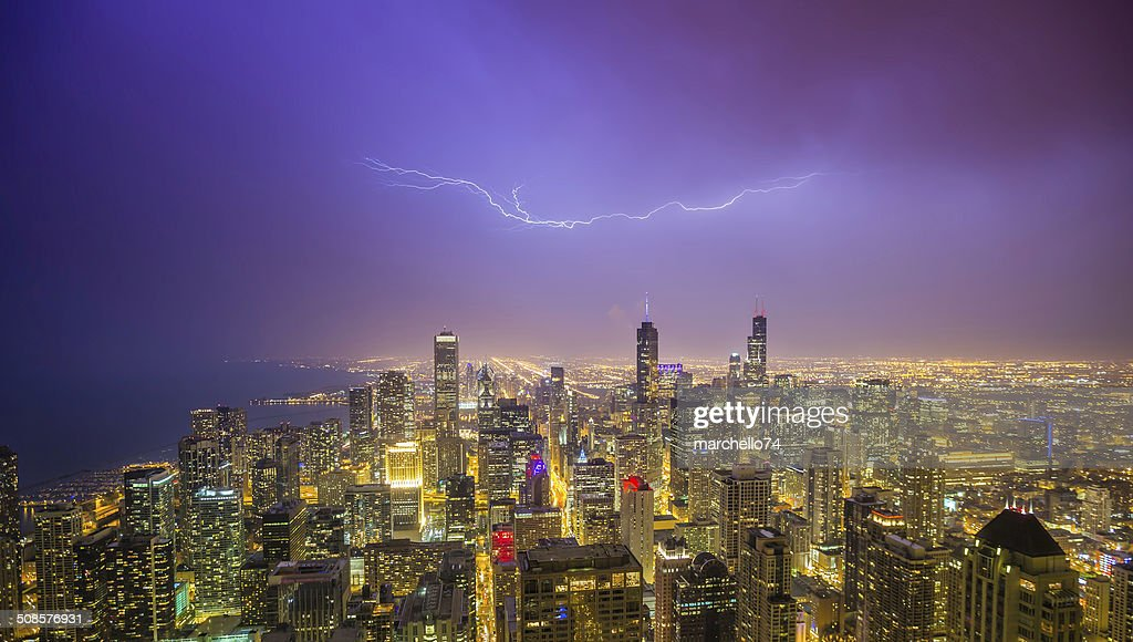 Chicago downtown night panorama during thunderstorm : Stockfoto