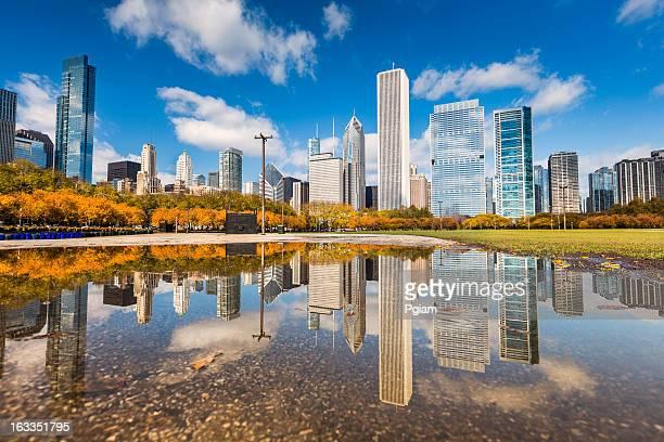 イリノイ州シカゴの街並みの反射
