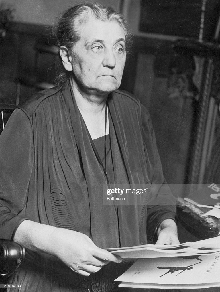 jane addams with documents pictures   getty images