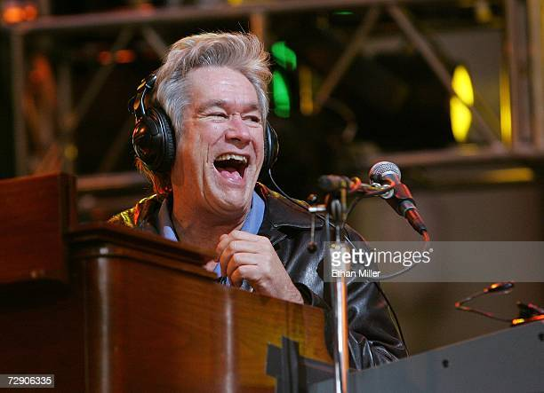 Chicago keyboardist/guitarist Bill Champlin laughs during a rehearsal for the 'CD USA' New Year's Eve event at the Fremont Street Experience December...