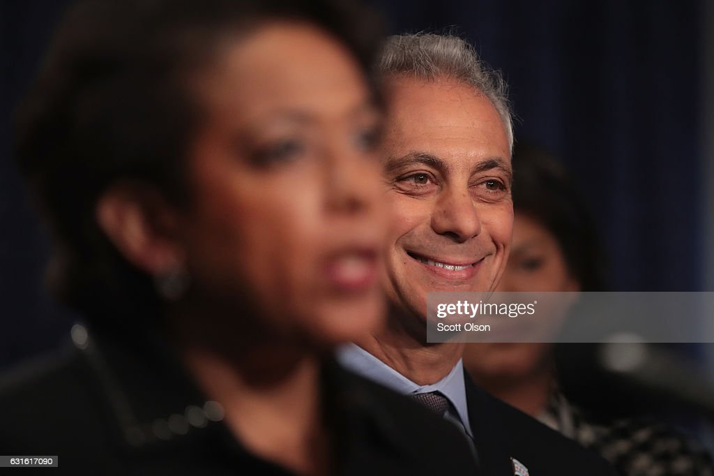 Chicago Mayor Rahm Emanuel (R) listens as U.S. Attorney General Loretta Lynch speaks at a press conference on January 13, 2017 in Chicago, Illinois. Lynch called the press conference to announce the release of a report which cited widespread abuses by officers in the Chicago police department following a 13-month investigation.