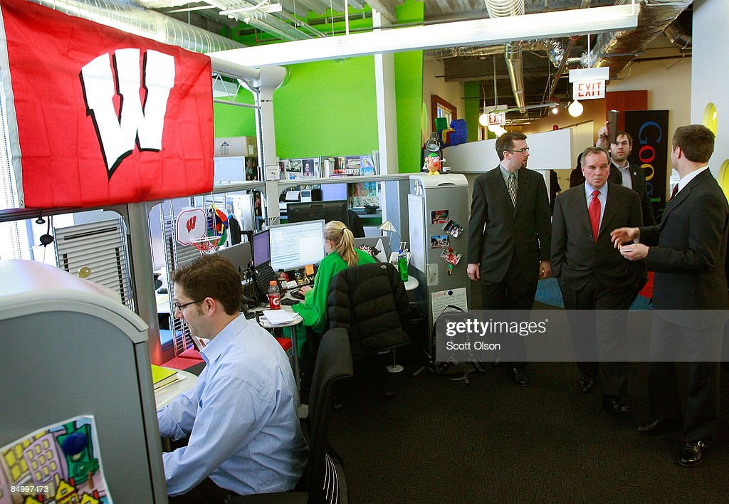 Chicago Mayor Richard M. Daley(3rd R) gets a tour of the Google Chicago office February 23, 2009 in Chicago, Illinois. The mayor was at the office to help launch his YouTube channel.