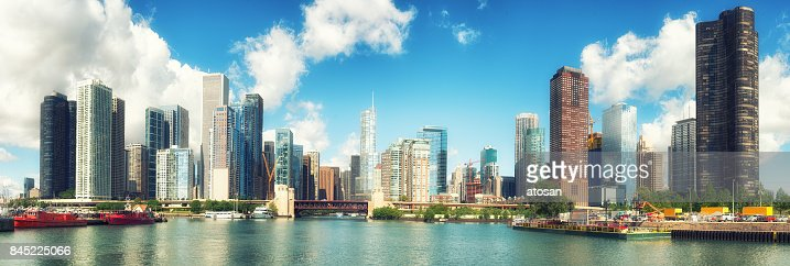 Chicago on a perfect day : Stock Photo