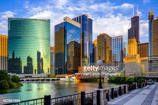 Chicago River & Willis Tower