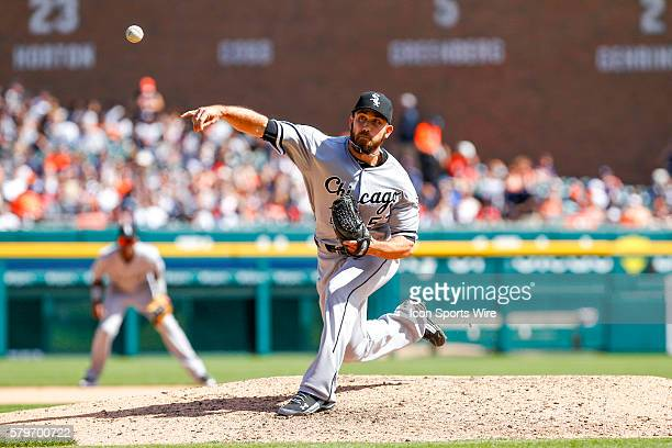 Chicago White Sox pitcher Zach Putnam delivers a pitch during a regular season game between the Chicago White Sox and the Detroit Tigers played at...