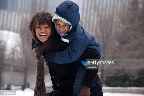 Chicago Winter-Mutter und Sohn