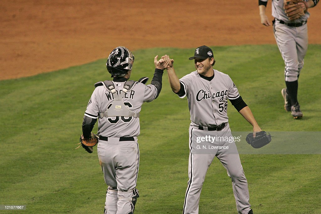 2005 World Series - Chicago White Sox vs Houston Astros - Game 3