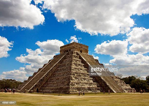CONTENT] Chichen Itza is a large preColumbian archaeological site built by the Maya civilization located in the northern center of the Yucatán...