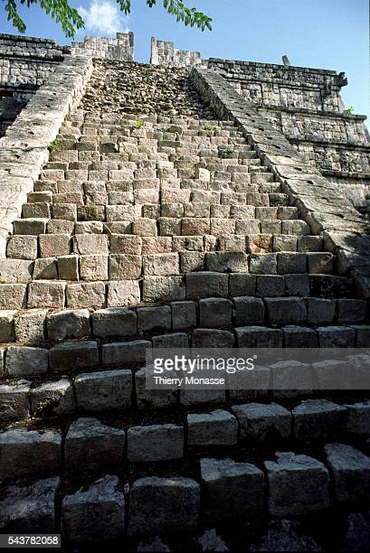 Chichén Itzá Yucatán State Mexico December 22 2004 The Temple of Kukulcan is a Mesoamerican steppyramid that dominates the center of the Chichen Itza...