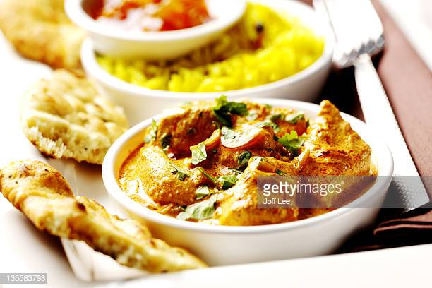 Chicken korma with naan bread