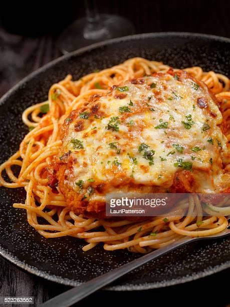 Parmesan-Hähnchen mit Spaghetti