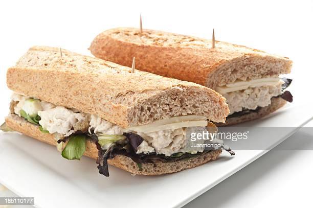 Salade au poulet et sandwich au fromage