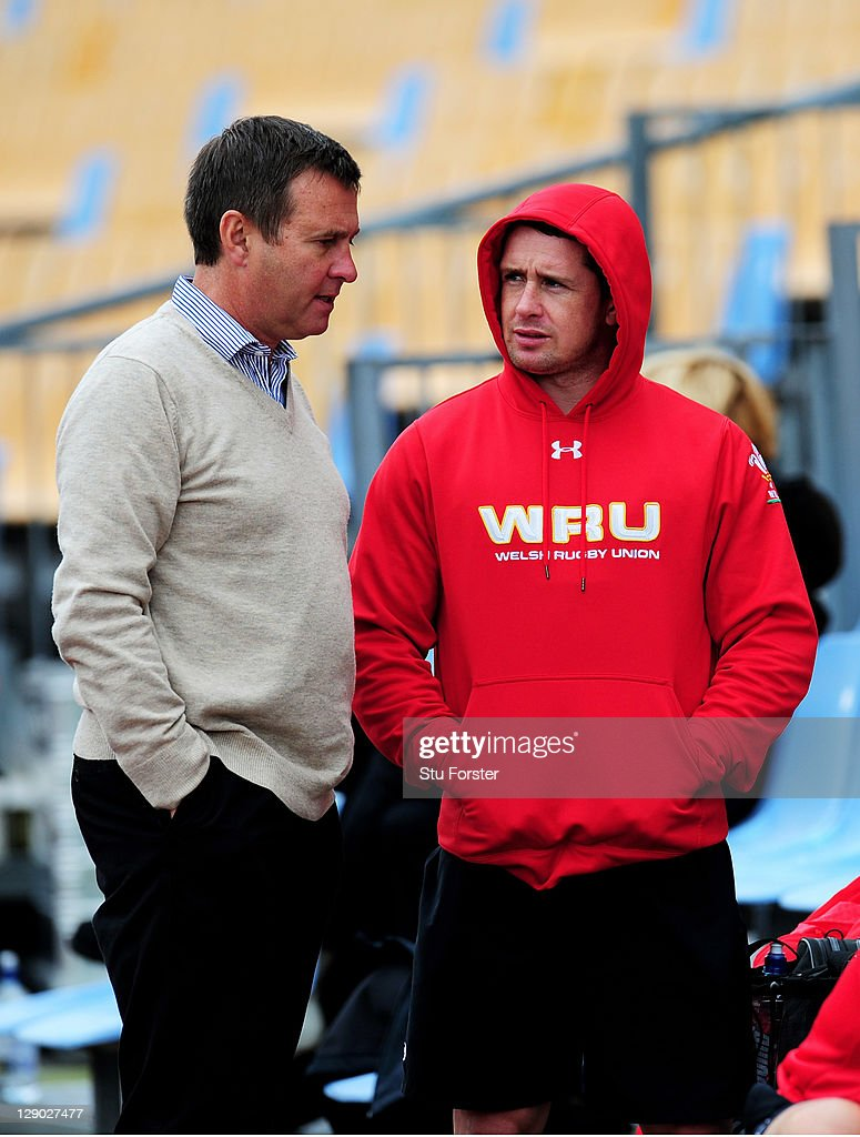 Chief Executive Roger Lewis (L) speaks with wing <a gi-track='captionPersonalityLinkClicked' href=/galleries/search?phrase=Shane+Williams&family=editorial&specificpeople=206777 ng-click='$event.stopPropagation()'>Shane Williams</a> (R) during a Wales IRB Rugby World Cup 2011 training session at Mt Smart Stadium on October 11, 2011 in Auckland, New Zealand.