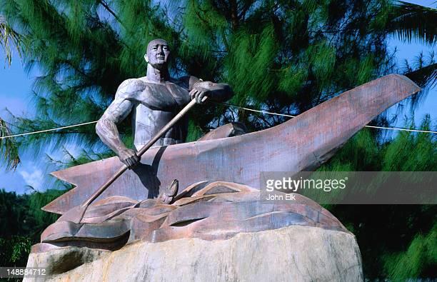 Chief Gadao statue.
