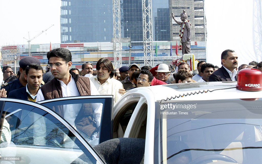 Chief minister of Haryana Bhupender Singh Hooda and Corporate Affairs minister Sachin Pilot inaugurates statue of Lt. Rajesh pilot on his birth anniversary at sector 55 on February 10, 2013 in Gurgaon, India.