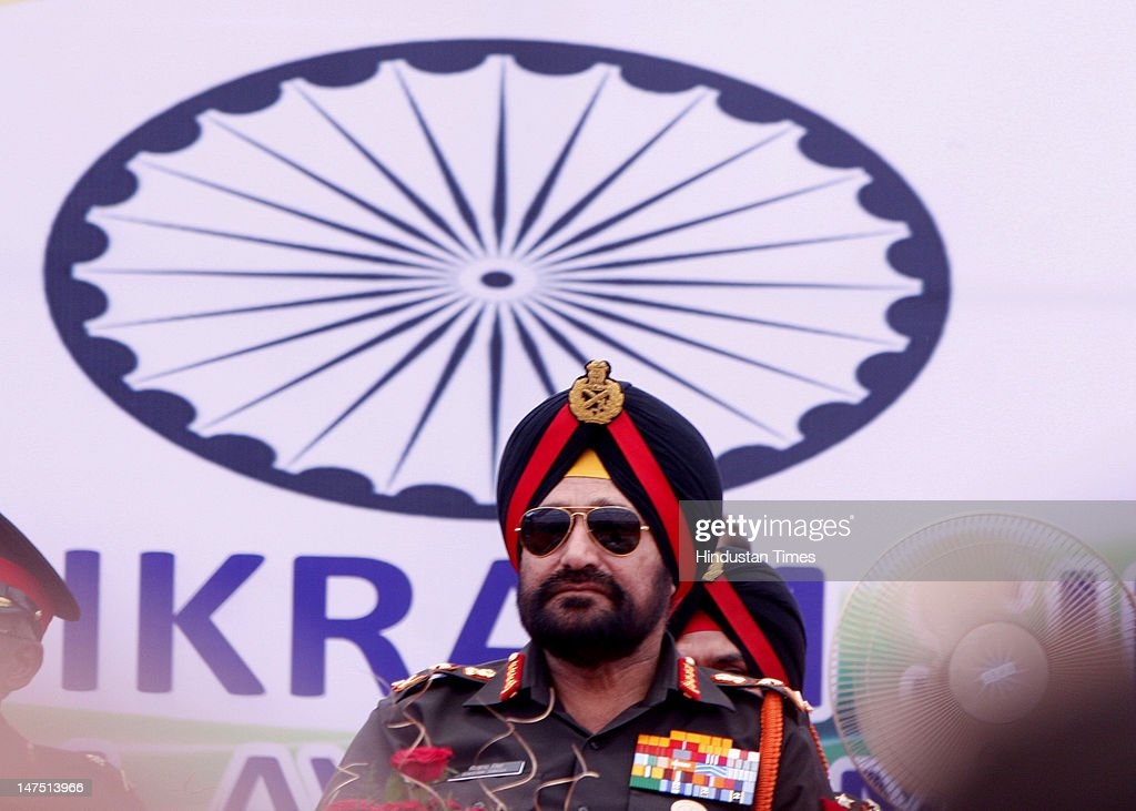 Chief of Indian Army staff General Bikram Singh attending Ex-serviceman rally on the eve of 50-years Golden Jubilee celebration of 21 Sub Area at Pathankot on July 1, 2012 in Punjab, India. Bikram Singh said the issue of one-rank-one-pension is being looked at the ministerial level and the ex-servicemen and war widows as his top priority.
