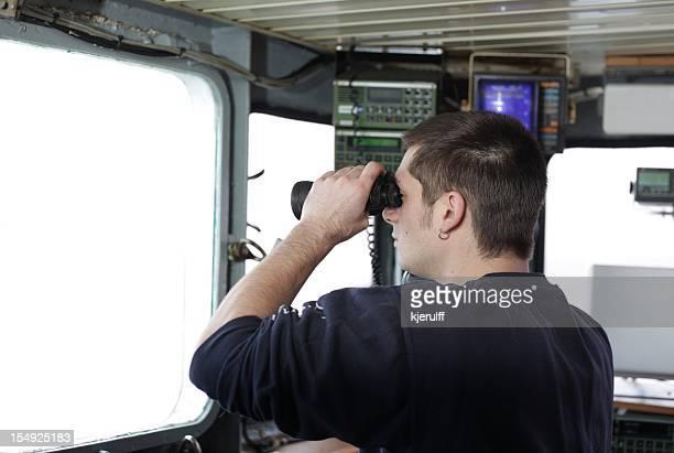 Chief officer und Blick in die Zukunft von der Brücke