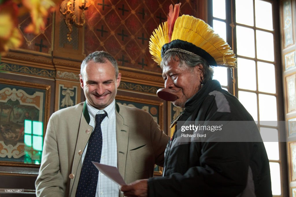 Chief raoni meets french media on european tour getty images - Charles antoine de vibraye ...