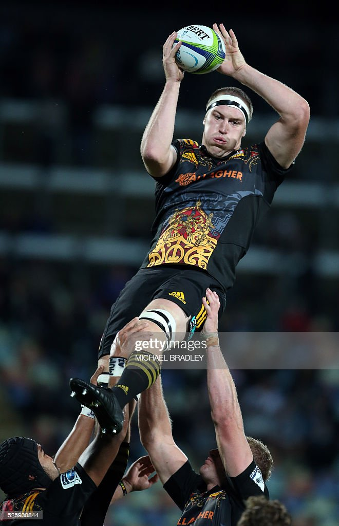 Chiefs' Brodie Retallick during the Super Rugby match between the Waikato Chiefs of New Zealand and Coastal Sharks of South Africa at Yarrow Stadium in New Plymouth on April 29, 2016 / AFP / MICHAEL