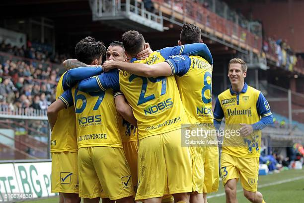 Chievo Verona players celebrate a goal scored by Riccardo Meggiorini during the Serie A match between UC Sampdoria and AC Chievo Verona at Stadio...
