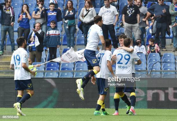 Chievo Verona players celebrate after goal 11 Roberto Inglese during the Serie A match between UC Sampdoria and AC ChievoVerona at Stadio Luigi...