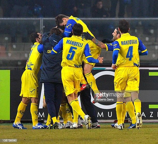 Chievo Verona players celebrate Gennaro Sardo's 20 goal for their team during the Serie A match between AC Chievo Verona and SSC Napoli at Stadio...