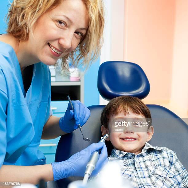 Criança no Consultório Dentário