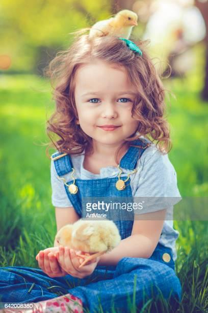 Kind zu Ostern