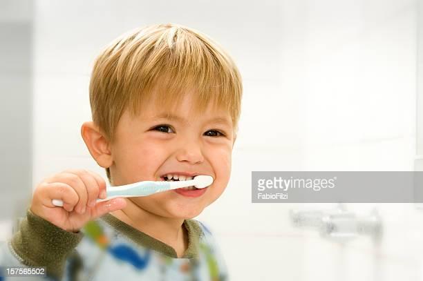 Bambino Lavarsi i denti