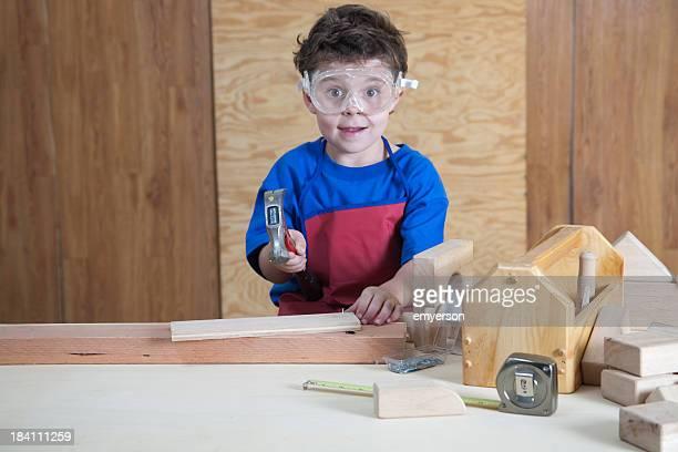 Enfant dans l'atelier