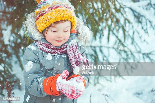 Child in winter : Stock Photo